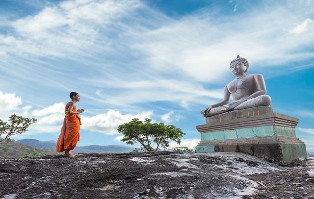 wie viele buddhas gibt es / sasint on Pixabay